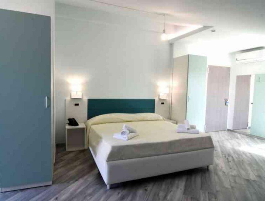 Hotel-Calypso-Salerno-007-855x570